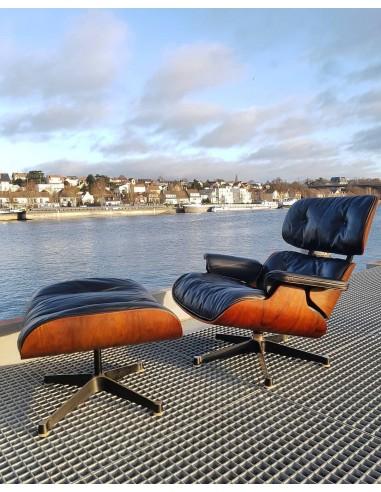 Superbe fauteuil vintage Lounge + ottoman Eames Mobilier international Palissandre de Rio